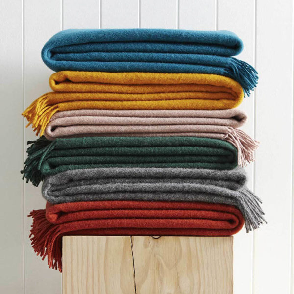 6 throws in different colours